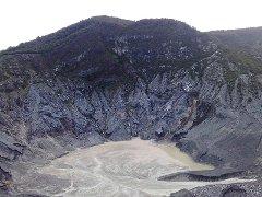 кратер вулкана Tangkuban Perahu